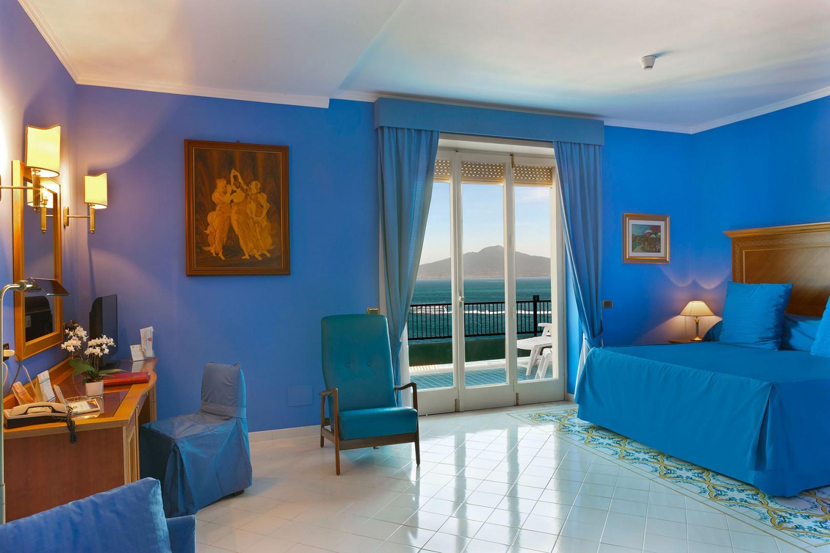 Suite pitloo hotel continental sorrento for Terrazza vittoria sorrento